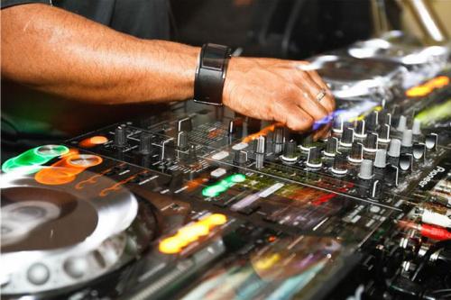 DJ EZ 2